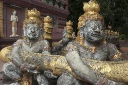 Kampong Cham statues - Highlights of Cambodia