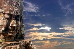 Siem Reap statues