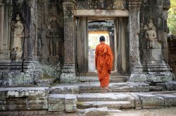 Siem Reap monks - Highlights of Cambodia