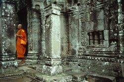 Monks at the Siem Reap ruins