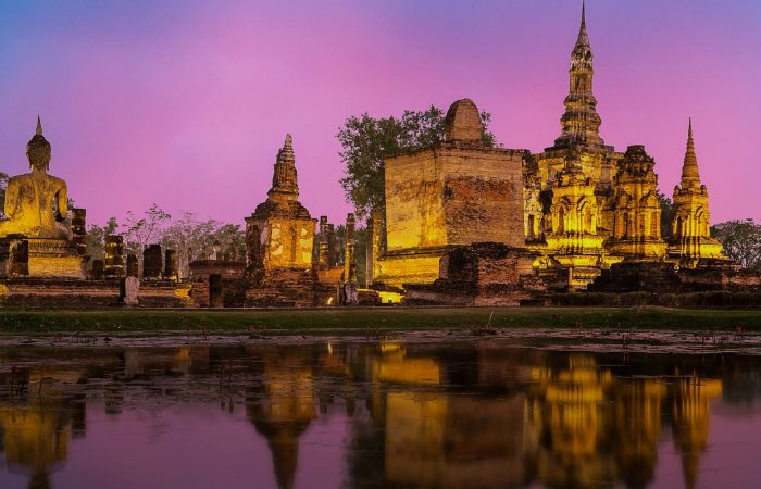 Thailand in 14 days with the angkor temple wat at the sunset