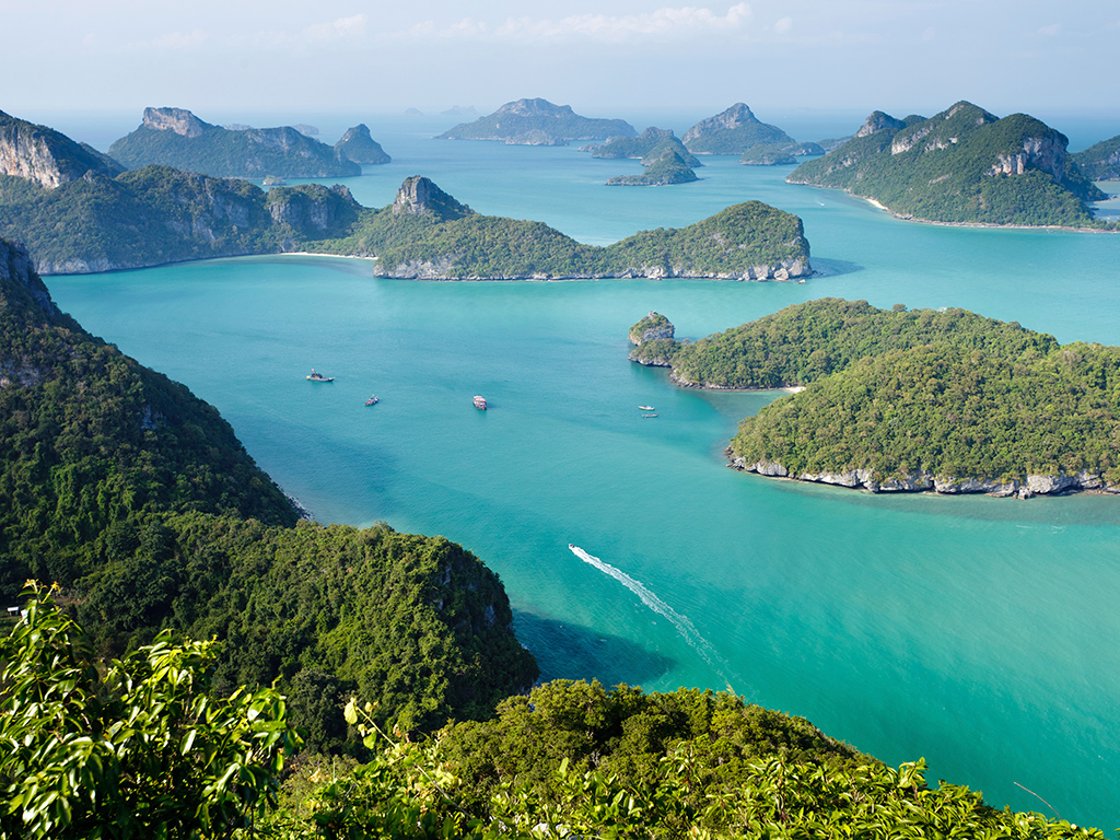 Marine national park in the Gulf of Thailand in Surat Thani Province called Ko Angthong consisting of 42 islands