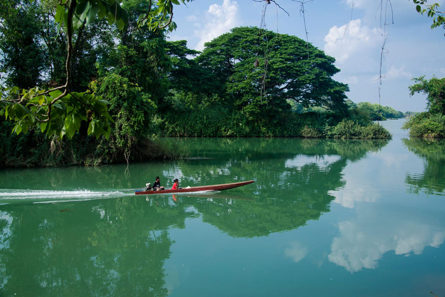 Archipelago of 4000 islands named Si Phan Don - Places to visit in Laos