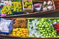 Boats of fruits (Mekong Delta) - Essential Vietnam tour