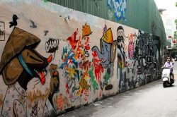 Saigon Street Art - Essential Vietnam tour
