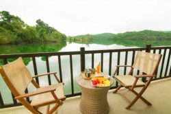 bungalow with view on the lake in house resort in phong nha