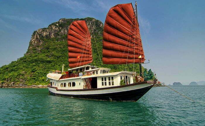 Halong Bay Luxury Cruise Prince Junk