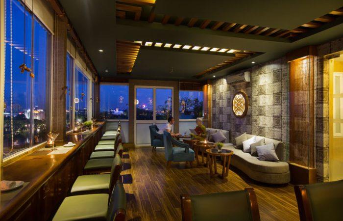 Hanoi Pearl Hotel lounge