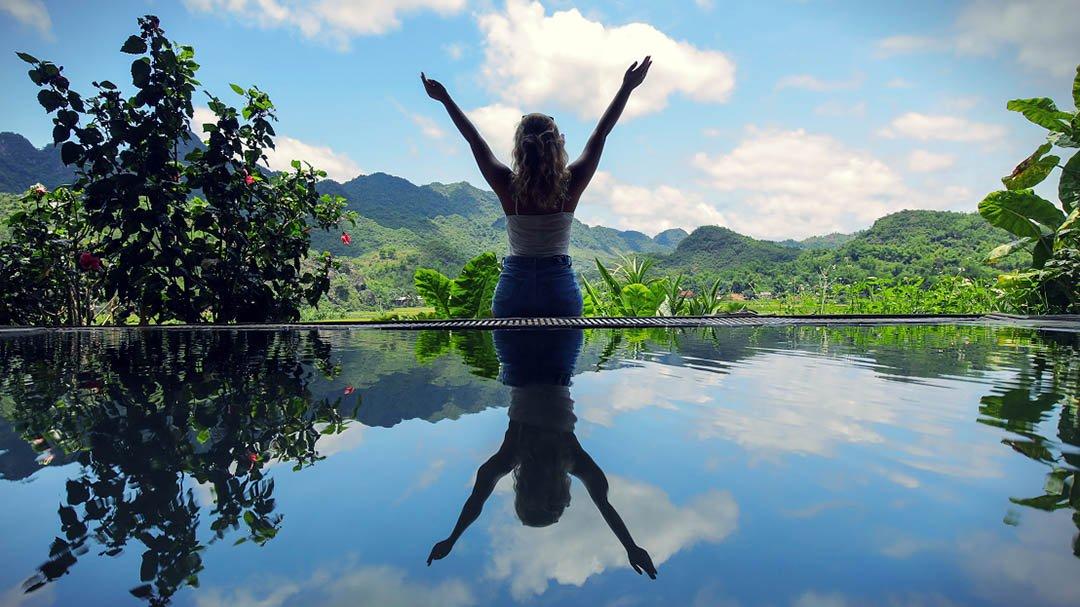 Mai Chau Ecolodge infinity pool