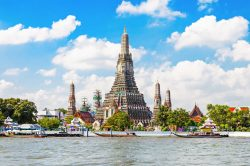 Wat Arun temple in Bangkok- Highlights of Thailand tour