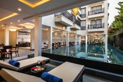 silk luxury hotel pool