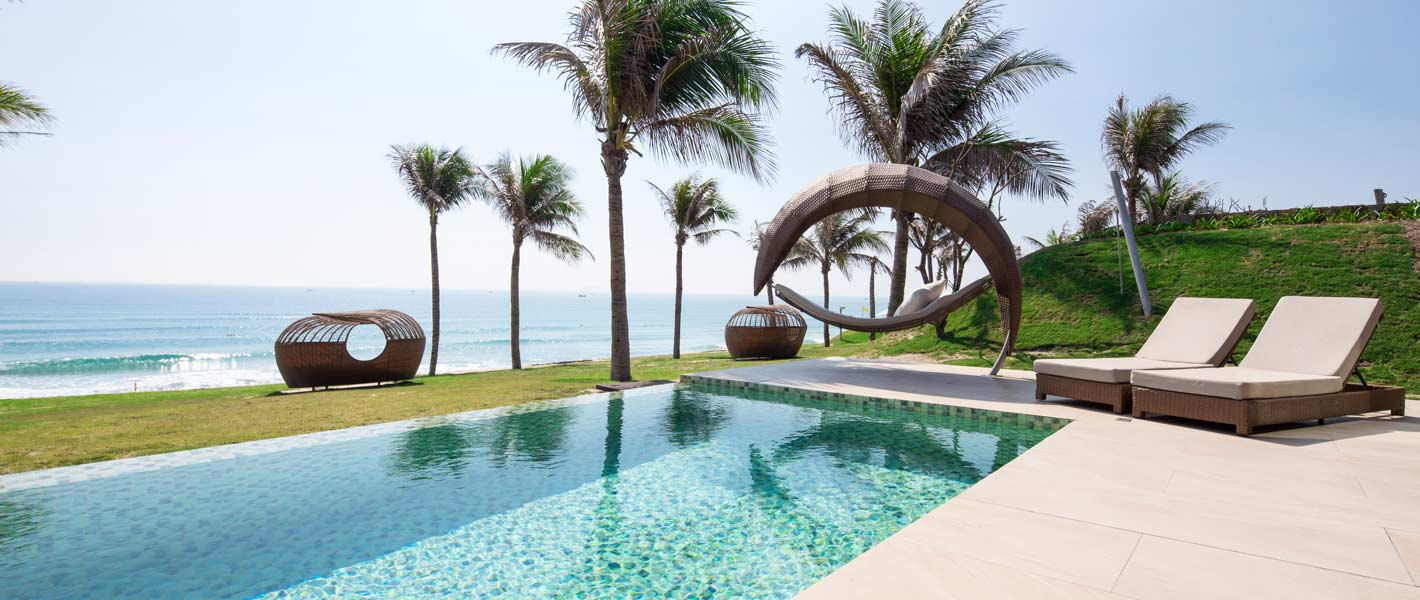 Fusion Resort Phu Quoc Villa pools