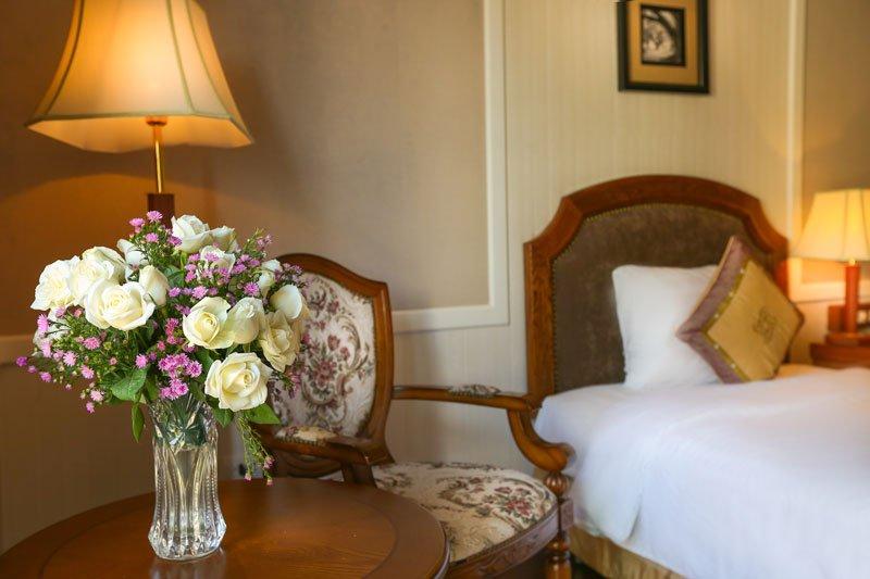 Room decor in Gondola Hotel