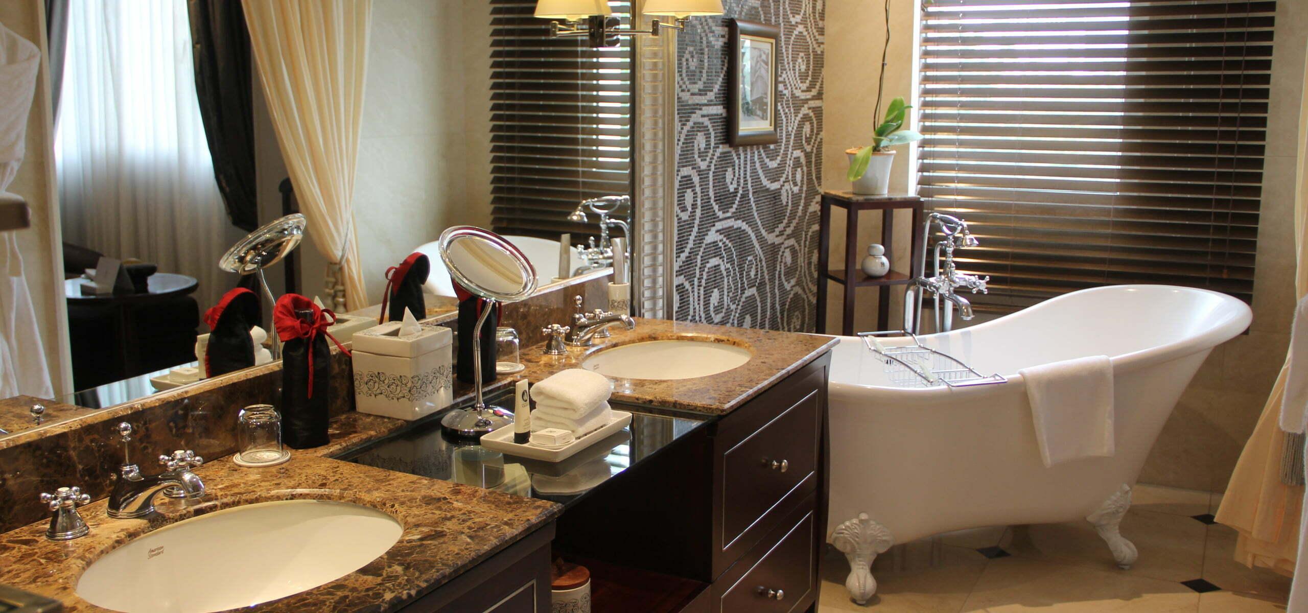 Sofitel Metropole Hanoi Bathroom