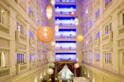 hotel de l opera hanoi courtyard