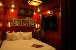 Dragon Pearl Cruise Deluxe Cabin