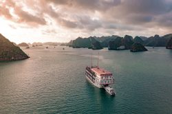 Ginger Cruise Boat
