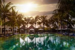 anantara resort - stunning sunset at the pool