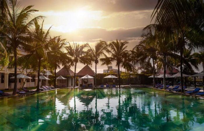 anantara resort - stunning sunset at the pool