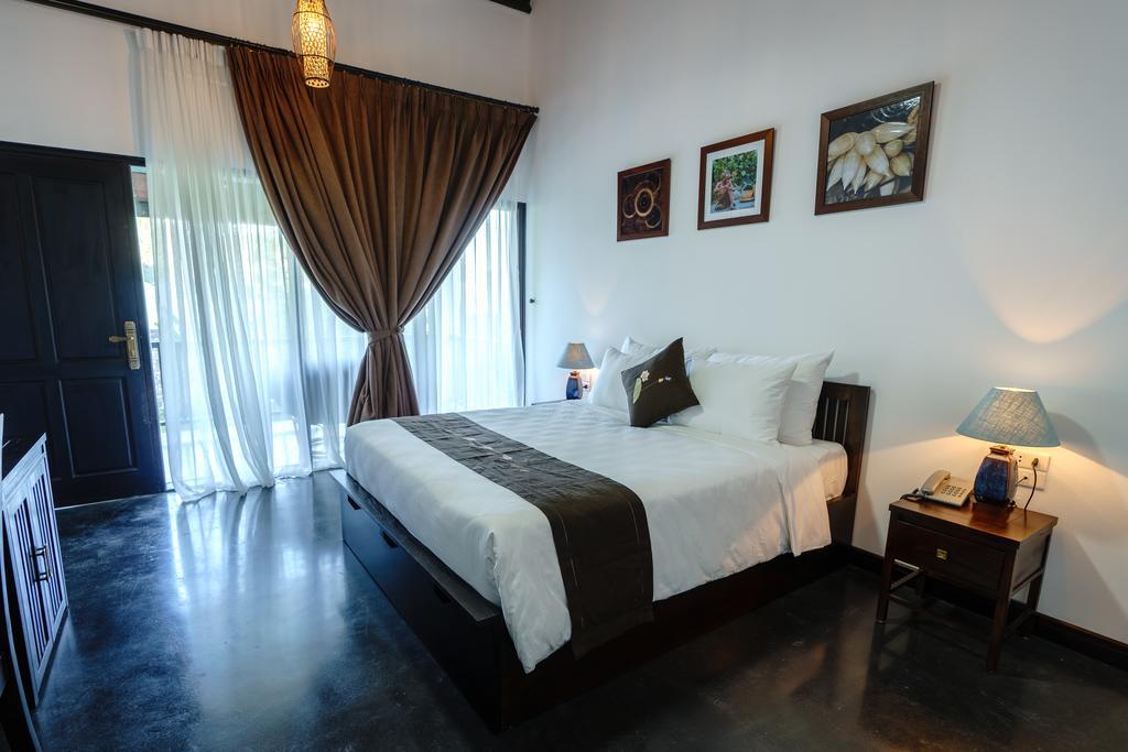 aravinda resort - lotus bed
