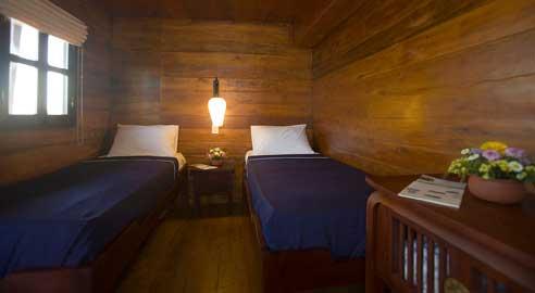 bassac cabin with twin beds in bassac river cruise