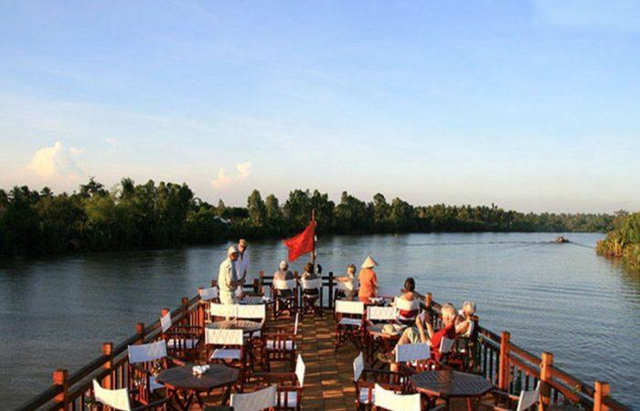 dinner on bassac river cruise