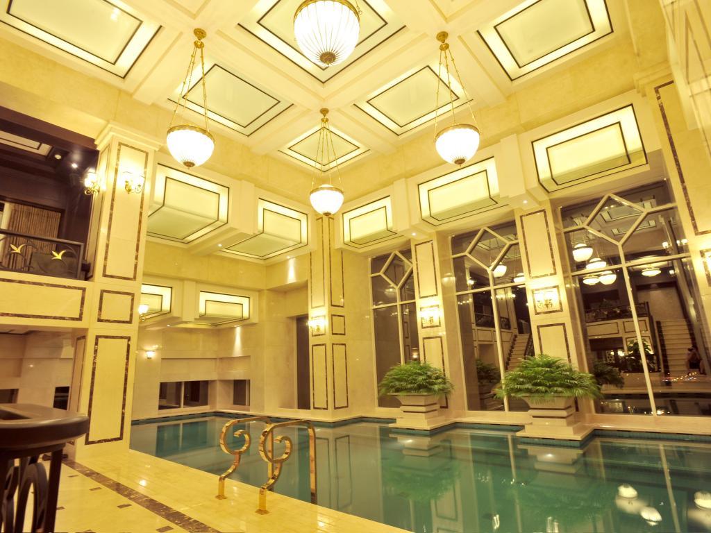 eldora hotel - luxury indoor pool