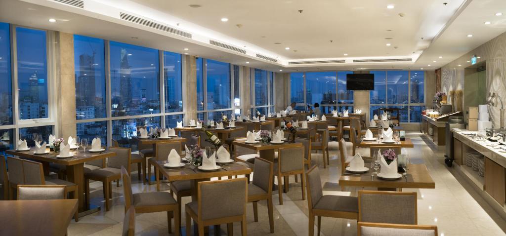 harmony saigon hotel restaurant