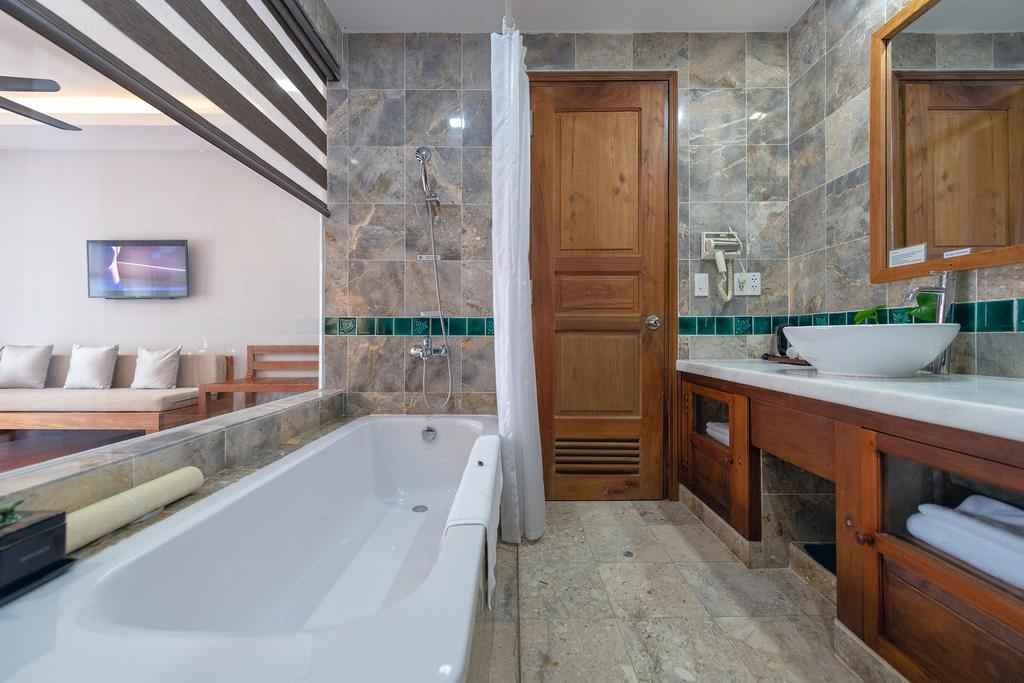 pilgrimage village resort - bathroom from superior room