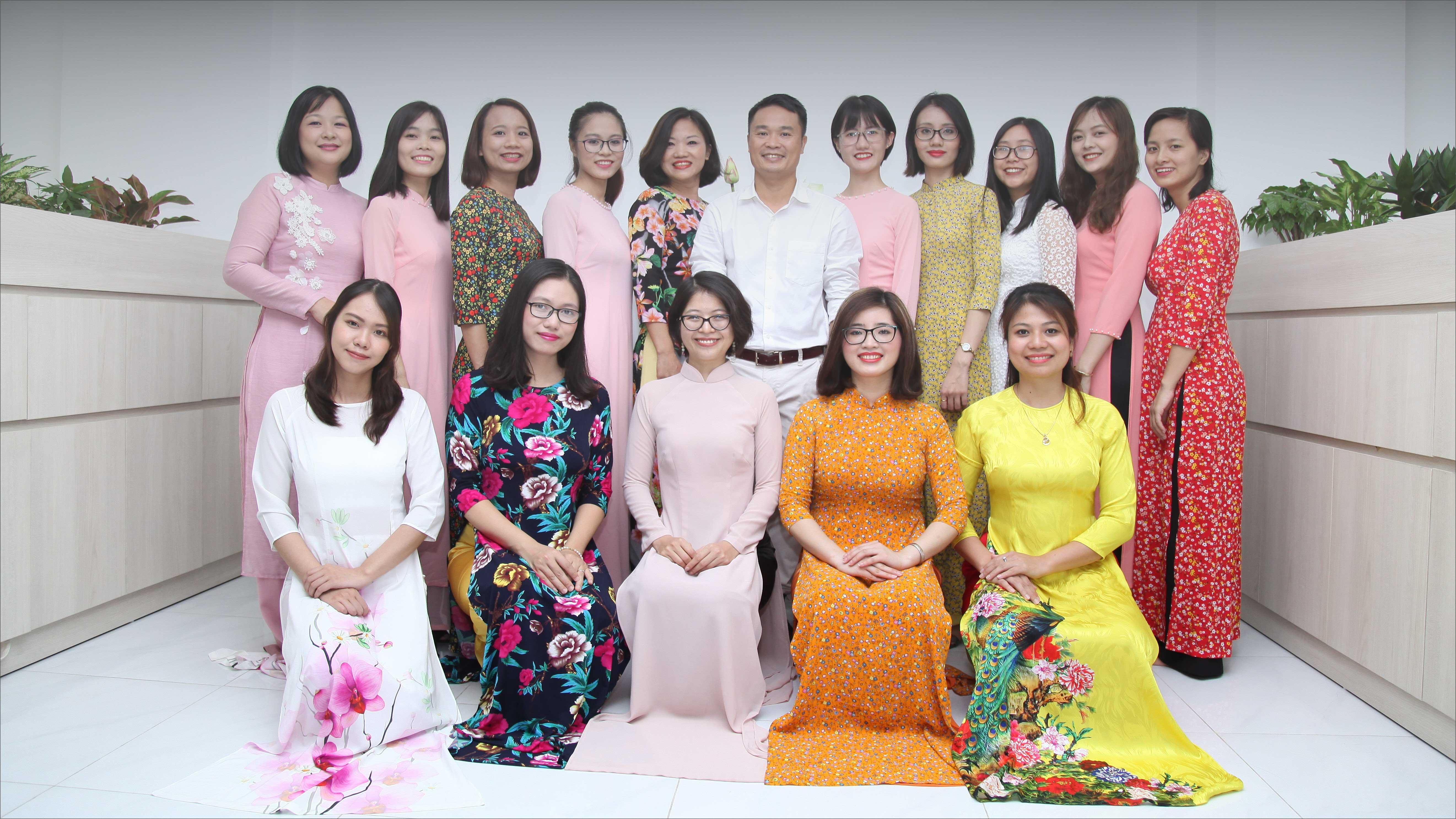 Hanoi Voyages Team