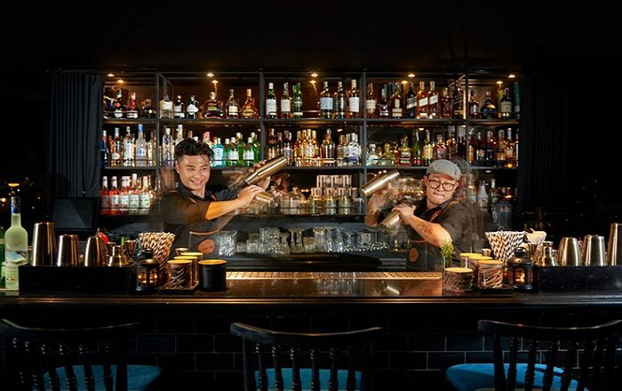 Bartenders at the Skybar La Siesta Premium Hang Be