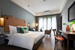 Aira Boutique Deluxe Room Double bed