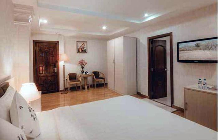 Alagon City Hotel Premium Deluxe Room Bed View
