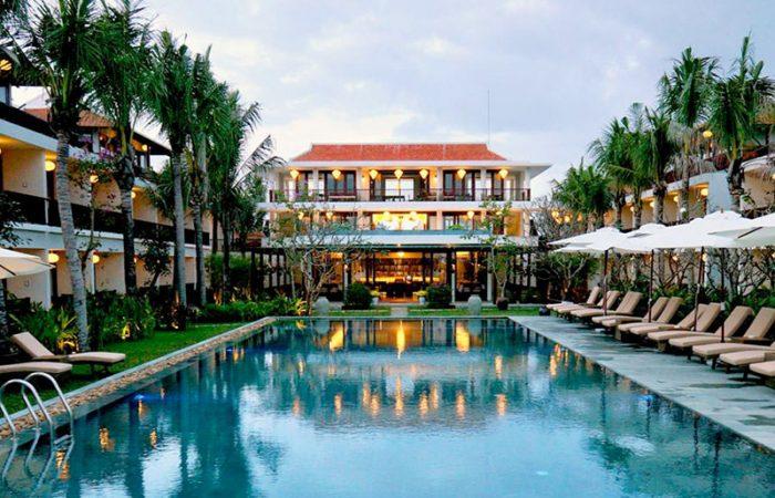 Vinh Hung Emerald Resort Pool
