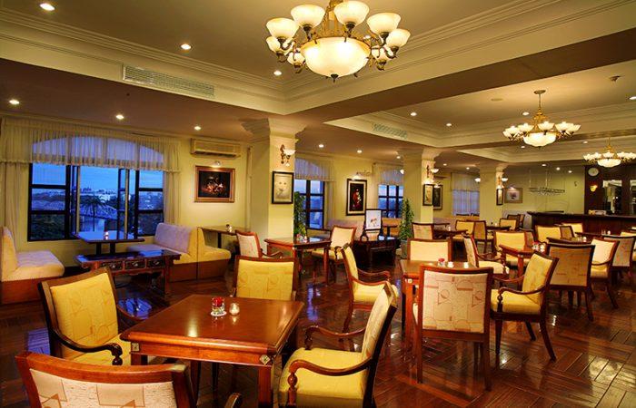 Saigon Morin Restaurant in Hue with empty seats