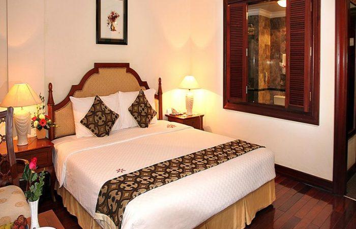 Big bed in Saigon Morin