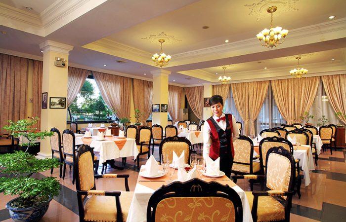 Saigon Morin Restaurant in Hue with a waiter